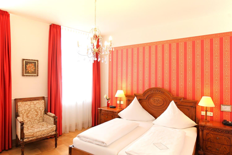 Das Confort Dreibettzimmer und Bett