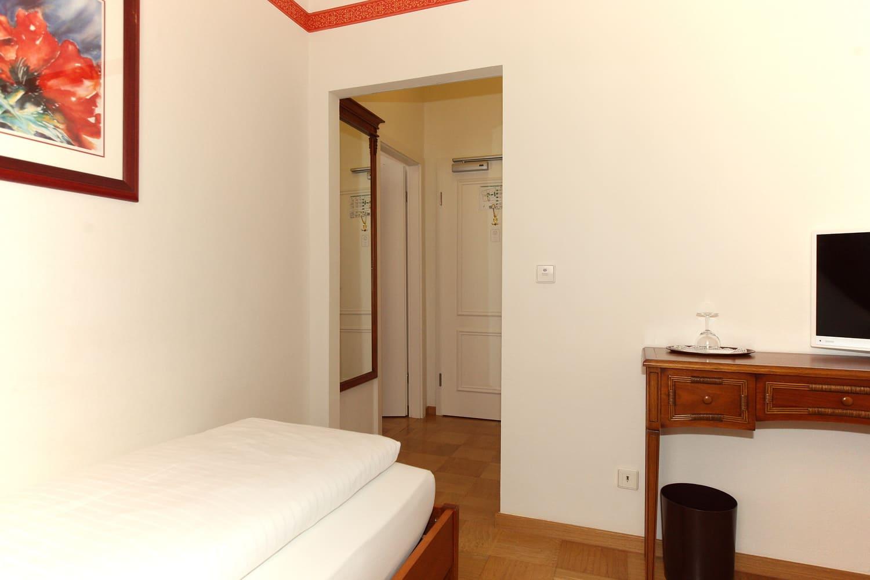 Das Comfort Dreibettzimmer und Flur