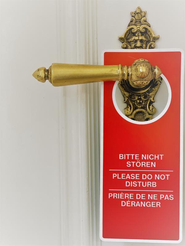 Bitte nicht stören Schild an der Tür