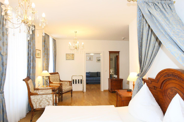 Blaue Suite 1.OG Sofa