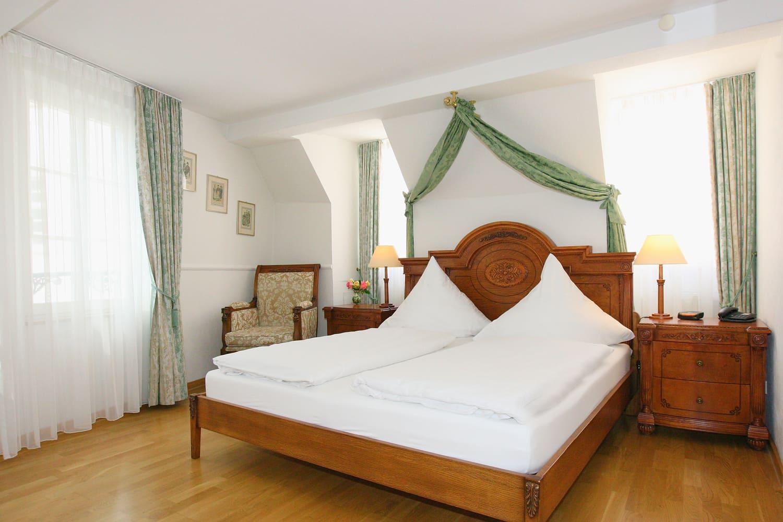 Grüne Suite 2 Obergeschoss Bettansicht