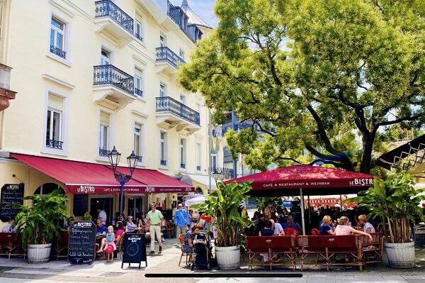 Restaurant in der Fußgängerzone Le Bistro