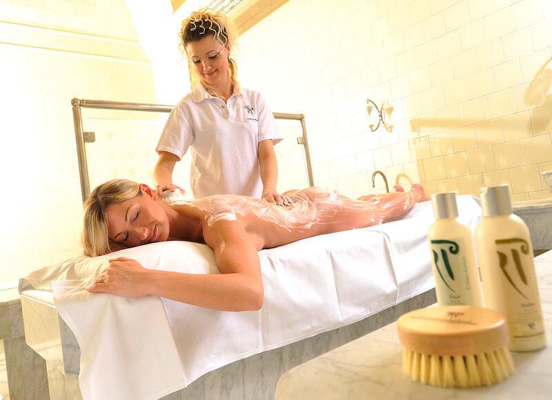 Massage Frau